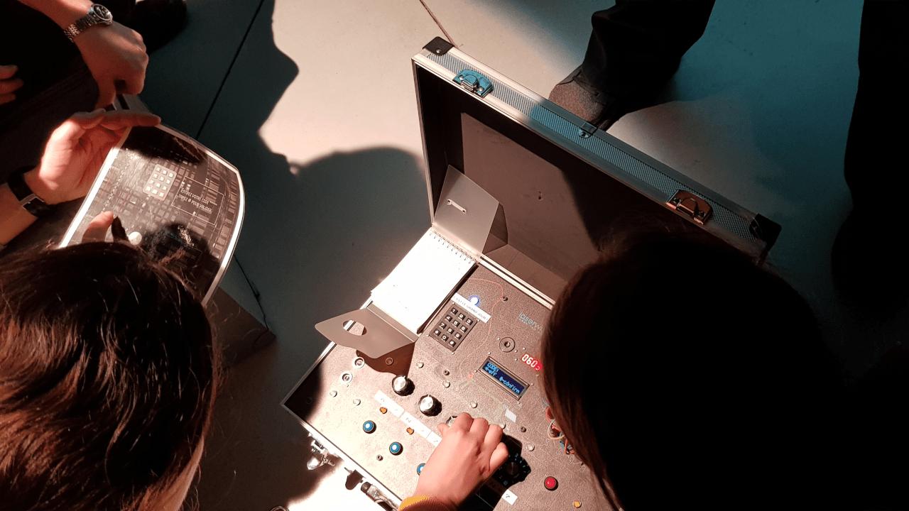 16-9-le-piege-du-projectionniste-3-min